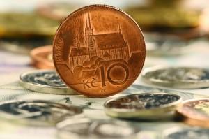 Koruna letos k euru stagnovala, vůči dolaru a rublu oslabila. Foto: iStock