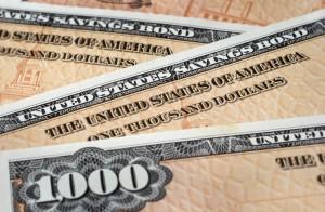 Zvýšení základních úrokových sazeb a výhled na jejich další zvýšení mohutně posiluje dolar a s ním i výnosy amerických vládních dluhopisů. Foto: iStock